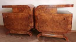 Para szafek nocnych w stylu art déco przed renowacją